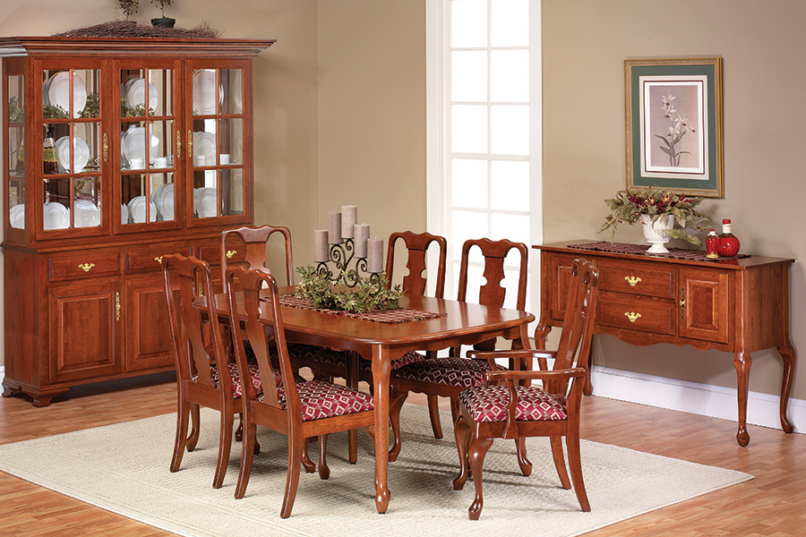 queen Victoria leg table dining collection