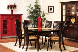 decorating to accentuate the beauty of pure hardwood furniture