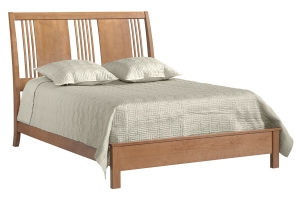 queen spindle sleigh bed with European footboard